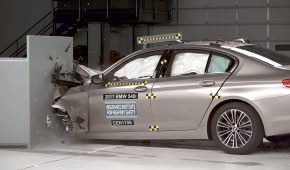 5 Series Earns IIHS Top Safety Pick