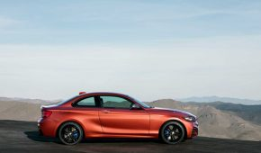 BMW G30 Wins Award