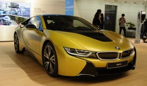 i8 European Delivery