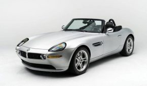 Steve Jobs' Z8 up for Auction